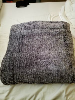 Faux fur blanket for Sale in Lynnwood, WA