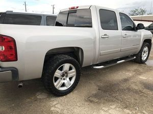 CHEVY SILVERADO 1500 2008 SAND/BLACK LEATHER Cars & Trucks for Sale in Austin, TX