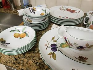 Vintage Evesham china for Sale in Silver Spring, MD