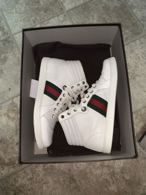 Gucci sneakers size 8.5 belt size 38/95 for Sale in New York, NY