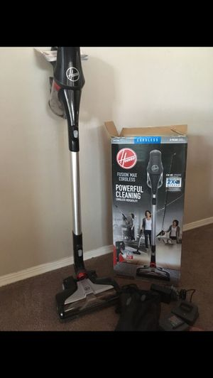 Cordless Hoover powerful cleaning vacuum cleaner for Sale in El Monte, CA