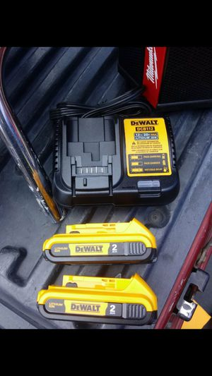 DEWALT 12V/20V CHARGER WITH XR2.0 BATTERIES NEW NUEVO WITH POWER INDICATOR👍💥👍💥👍💥 for Sale in Carson, CA