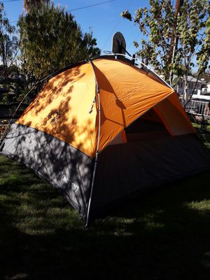 7 person tent for Sale in Glendale, AZ