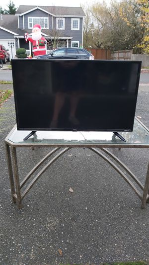 TCL Roku smart TV 32 inch for Sale in Enumclaw, WA