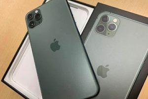 iPhone 11 pro max unlocked for Sale in Altavista, VA