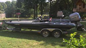 Triton TR21 Bass boat for Sale in Azle, TX