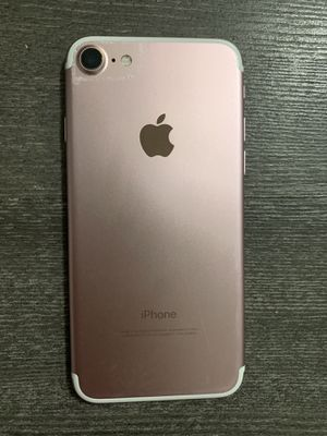 FACTORY UNLOCKED!! IPHONE 7 32gb (THIS IS NOT THE PLUS) PRICE IS FIRM! for Sale in Miami Gardens, FL
