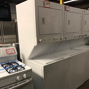 STACKABLE WASHER AND DRYER IN EXCELLENT CONDITION WITH 4 MONTHS WARRANTY for Sale in Baltimore, MD