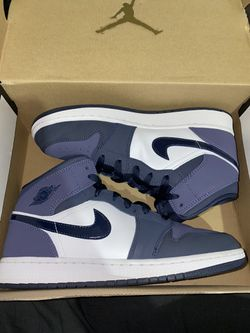 Boys Air Jordan 1 Mid Obsidian Sanded Purple Size 7y for Sale in Peoria,  IL