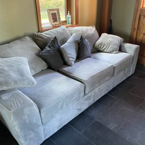 Gray Couch (Please read description) for Sale in Issaquah, WA