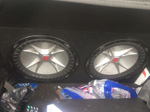 Kicker and Amplifier for Sale in Los Angeles, CA