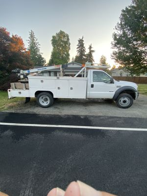 2007 service body with crane ford f450 bulletproof 6.0 for Sale in Marysville, WA