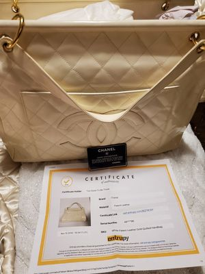 Chanel hand bag Authentic with serial card and certificate for Sale in San Antonio, TX