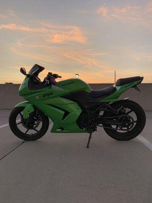 2012 Kawasaki Ninja 250r for Sale in Orlando, FL