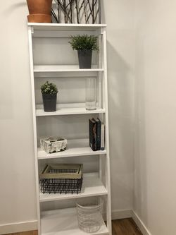 White Ladder Bookcase for Sale in Beaverton,  OR