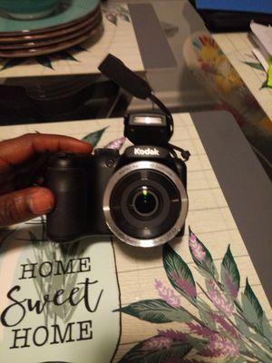 Kodak PIXPRO AZ252 Camera and Camcorder for Sale in Philadelphia, PA