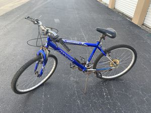 """26x1.95"""" Blue Magna Mountain bicycle! Great fixer upper or for bike parts! Needs some work. for Sale in West Palm Beach, FL"""