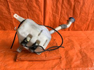 OEM - 2005 05 - ACURA - RSX TYPE S - WINDSHIELD WIPER FLUID RESERVOIR WITH CAP AND MOTORS for Sale in Miami Gardens, FL