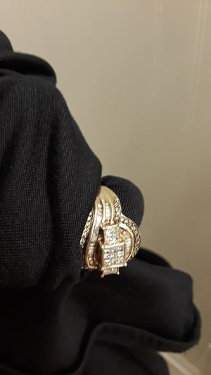 Real diamonds big ring for Christmas for Sale in Lancaster, OH