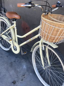 "Galaxie 7 Speed Tires 26"" Like New Back Rack Front Basket for Sale in Long Beach,  CA"