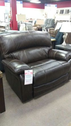 Ashley wide seat recliner for Sale in Uniontown,  PA