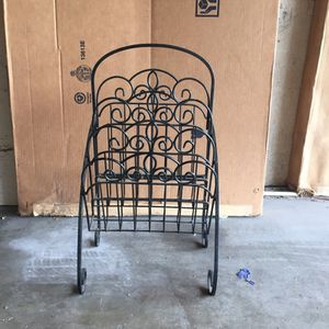 Magazine rack for Sale in Inglewood, CA