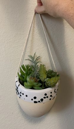Faux hanging succulent for Sale in Winter Haven,  FL