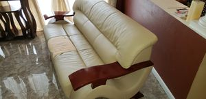 Free Leather Curve Chair. for Sale in Tampa, FL