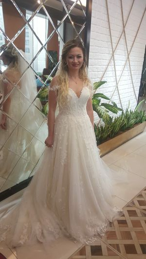 Beautifull Wedding Dress!!! for Sale in Miami Beach, FL