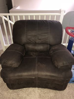Large Brown Recliner for Sale in Laveen Village, AZ