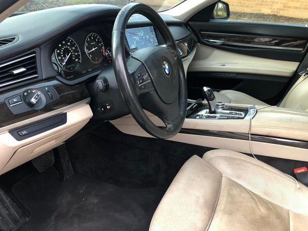 2009 BMW 750 👆 LI Sport package luxury title rebuilt miles 95000 super looking luxury drive sweet , sport package , leather seat , all seat heated se