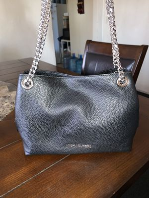 Michael Kors Mid Chain Messenger Bag for Sale in Los Angeles, CA
