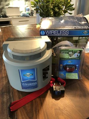 Wireless pet containment system + extra collar for Sale in Austin, TX