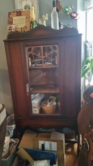 Antique buffet and China cabinet for Sale in Pataskala, OH