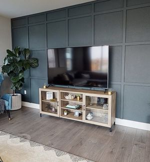 Like New TV Stand for Sale in Lathrop, CA