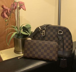 Brown purse and wallet set for Sale in Los Angeles, CA