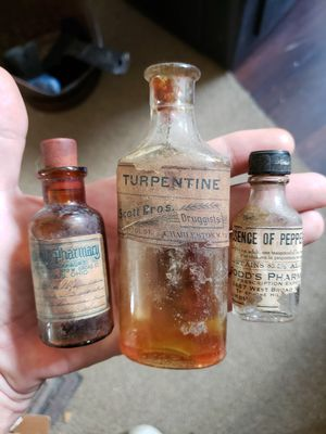 3 antique medicine bottles ($9.50 each or $22.99 for all 3) for Sale in Columbus, OH