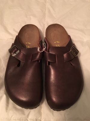Birkenstock's NEW maroon Slip on sandals for Sale in Fort Worth, TX