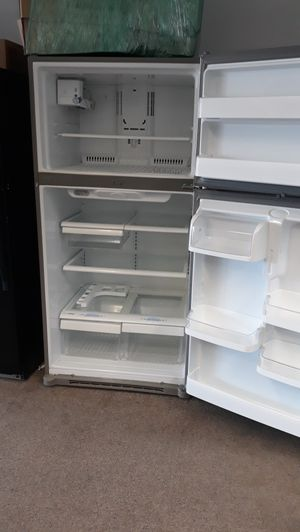 "33"" stainless steel top and bottom refrigerator excellent condition for Sale in Laurel, MD"