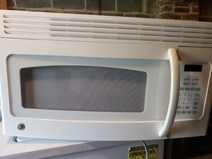 White microwave and white dishwasher for Sale in Temple Hills, MD