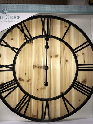 NEW Large Farmhouse Rustic Solid Wood 22.8in Wall Clock Family Room Kitchen Office Home Decor for Sale in Vista, CA