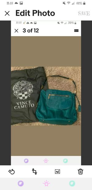 Authentic Vince camuto teal/emerald green snakeskin shoulder/satchel purse for Sale in Perris, CA