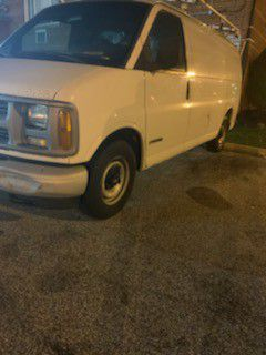 Chevy 2500 Express Van for Sale in Cleveland, OH