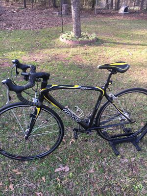 Road bike for Sale in Fountain Inn, SC