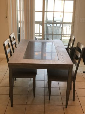 Kitchen / Dining Room Table & Chairs for Sale in Pepperell, MA