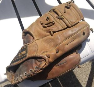 USA Made Vintage Wilson A2905 Don Hook Autograph Model Baseball Glove for Sale in Ferndale, MI