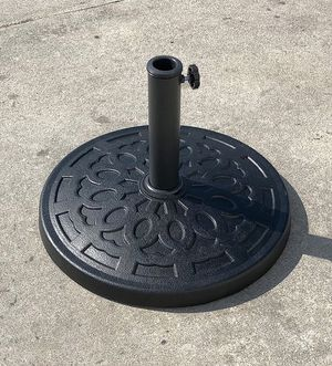 """(New in box) $22 Umbrella 18"""" Base Stand Patio Outdoor Heavy Duty Market Garden, Weight: 31 lbs for Sale in Whittier, CA"""