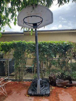 Lifetime adjustable portable hoop for Sale in Miami, FL
