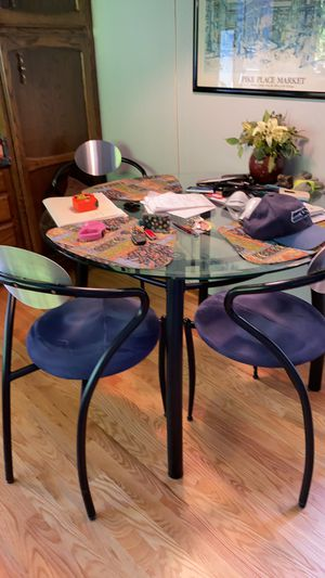 Kitchen table and chairs for Sale in Kirkland, WA
