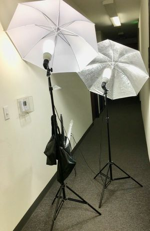 Brand new 4 umbrellas photo photography studio fluorescent lights height adjustable stand kit for Sale in Pico Rivera, CA